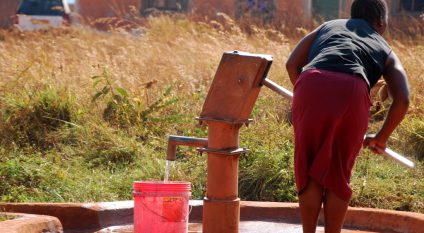DRC: New water sources for health facilities in Butembo and Katwa©Franco Volpato / Shutterstock