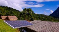 AFRIQUE : SFC finance d.light pour la distribution des kits solaires en zone rurale ©Khamkhlai Thanet/Shutterstock