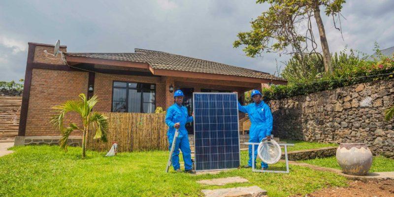 AFRIQUE : Bboxx et Canal+ signent un accord pour la télévision alimentée au solaire©WitthayaP/Shutterstock