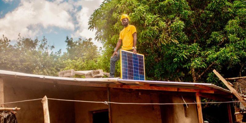 CÔTE D'IVOIRE : la FMO finance Lumos pour la diffusion de systèmes solaires domestiques©Lumos