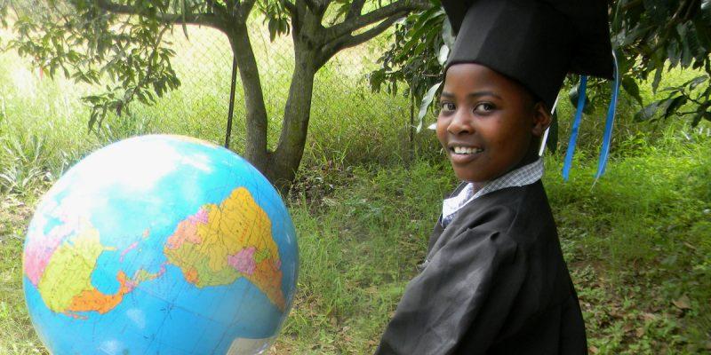 DRC: Integrating environmental education into school curriculum©CECIL BO DZWOWA/Shutterstock