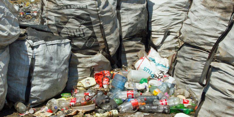 CÔTE D'IVOIRE : Nestlé et Envipur vont collecter 30 tonnes de plastiques à Abobo©dolfin / Shutterstock