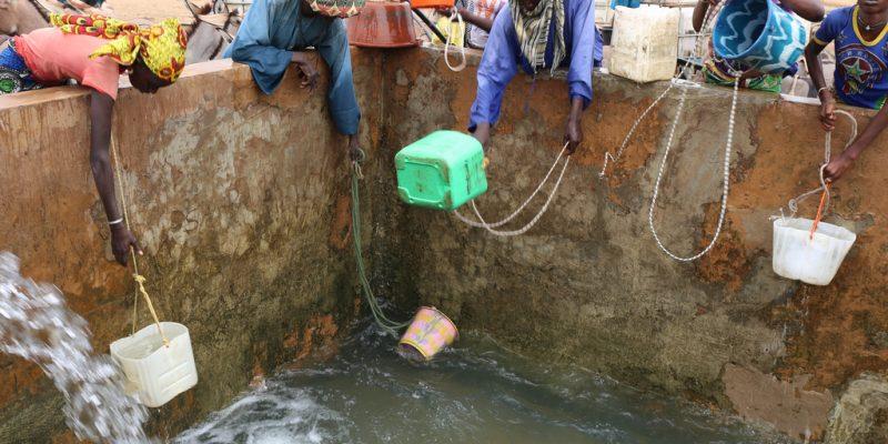 KENYA : les travaux de construction du bassin d'eau de Lopeipuke démarrent©BOULENGER Xavier /Shutterstock