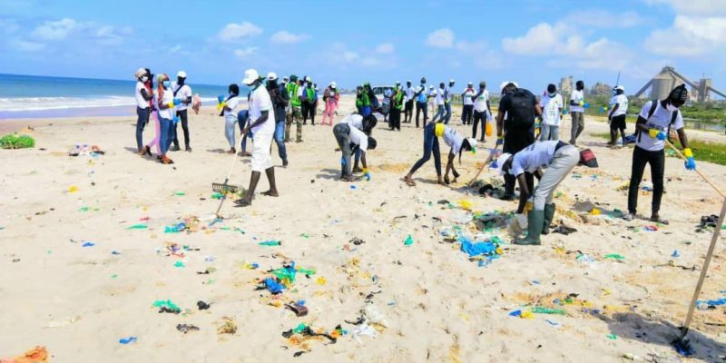 "SENEGAL: Crac launches operation ""zero waste beach"" in Bargny©Eiffage au Sénégal"