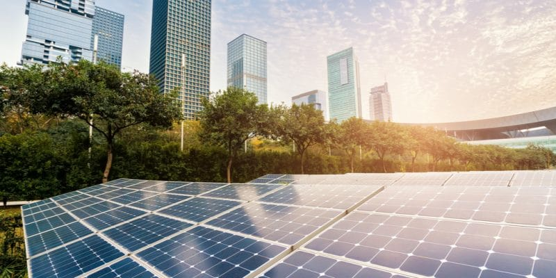 ZIMBABWE: Harare Stock Exchange adopts solar energy in the grip of power cuts©asharkyu/Shutterstock