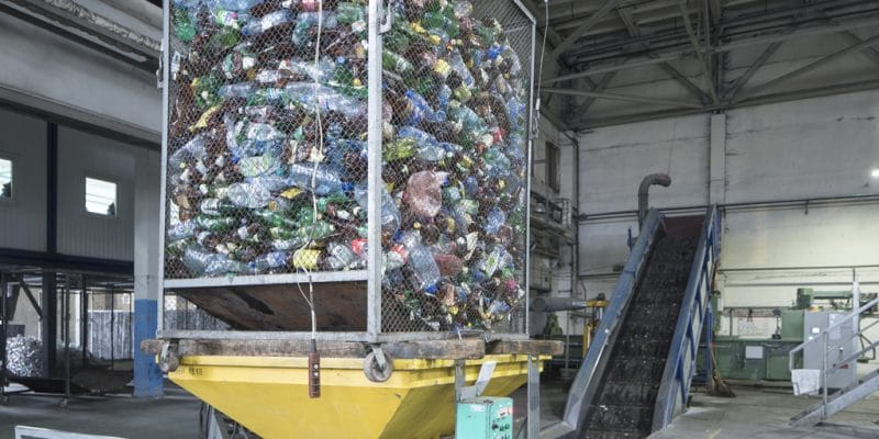 NIGERIA: Government opens waste recycling center in Abuja©goldenporshe/Shutterstock