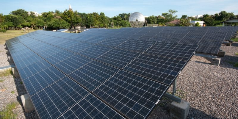 AFRICA: AMMP raises $1.15 million to distribute its off-grids monitoring solution ©Jen Watson/Shutterstock