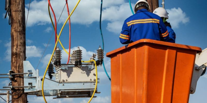 BENIN: The State electrifies 500 households in the departments of Ouémé and Plateau©Lucian Coman/Shutterstock