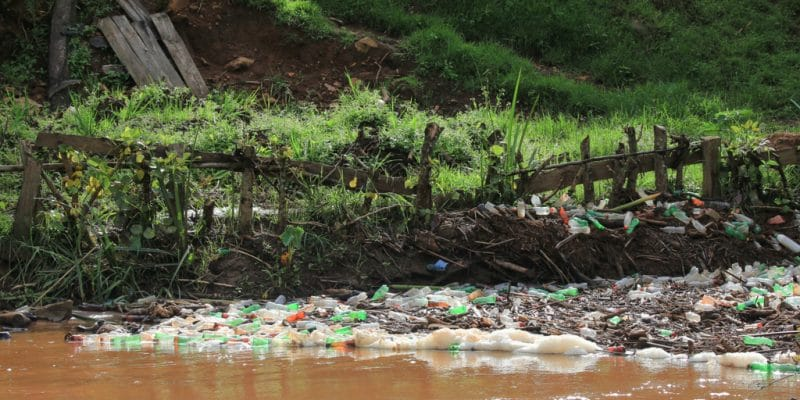 UGANDA: Coca-Cola and Tooro join forces against the pollution of the Mpanga River ©JordiStock/Shutterstock