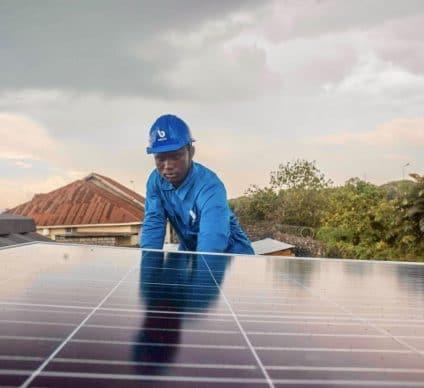 RDC : le FEI OGEF prête 4 M$ à Bboxx pour l'électrification via les kits solaires©Bboxx