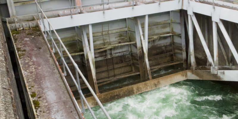 GHANA: Funded by OeKB, Strabag rehabilitates the drinking water plant of Daboase©Pi-Lens/Shutterstock
