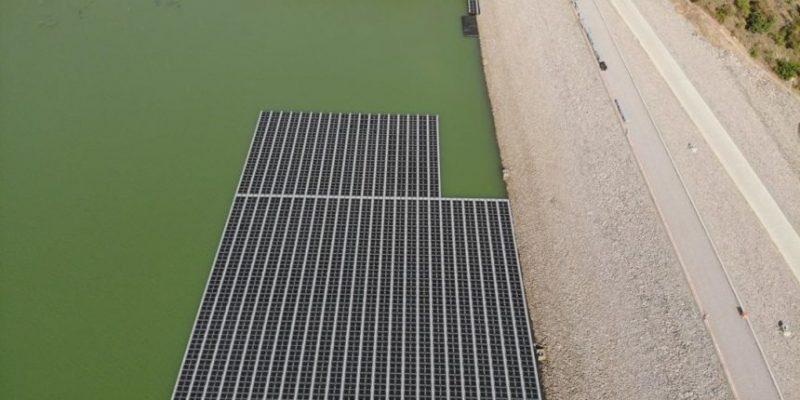 GHANA : BPA connecte une centrale solaire flottante dans le bassin du barrage de Bui