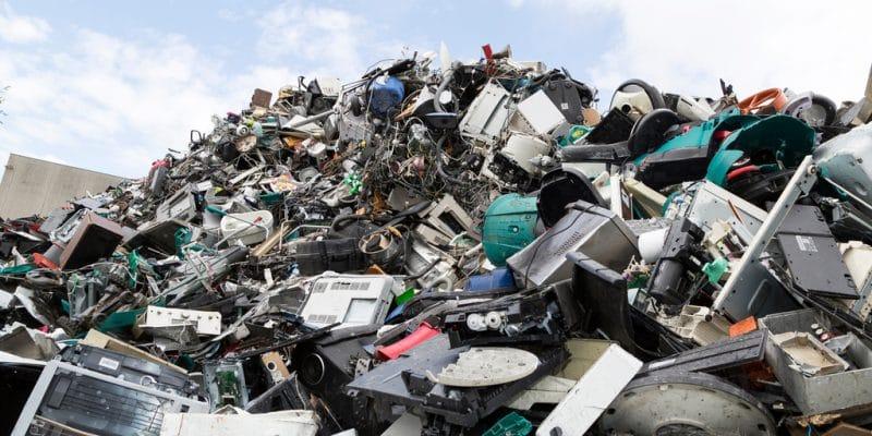 COTE D'IVOIRE : MTN poursuit sa campagne de collecte et de recyclage des E-déchets ©Morten B/Shutterstock