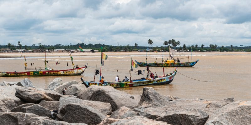 GHANA: the government acquires 3 ships for waste collection in Oti ©Gerhard Pettersson/Shutterstock