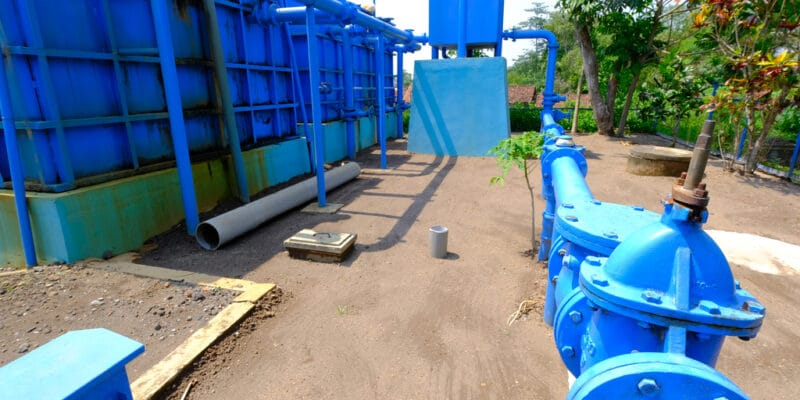 IVORY COAST : Fluence relaunches its drinking water project in Abidjan© Rembolle/Shutterstock