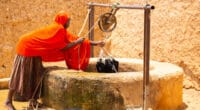CAMEROON: when women, who are sick from water and climate change, are discriminated against©Madalin Olariu/Shutterstock