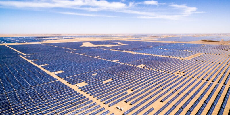 BOTSWANA-NAMIBIA: Agreement with investors for a 5 000 MWp solar complex© zhangyang13576997233/Shutterstock