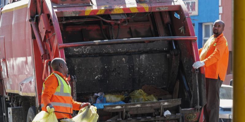 SÉNÉGAL : l'UCG lance une opération de collecte des déchets dans plusieurs communes©Roxane 134/Shutterstock