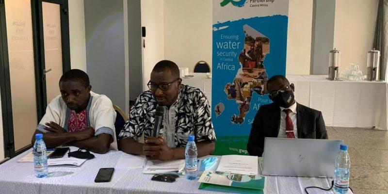 CAMEROUN : des journalistes outillés sur les politiques de l'eau et du climat©GWP-CAf /Shutterstock
