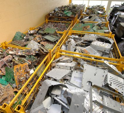 AFRICA: E-waste threatens the health of millions of children ©Photoagriculture/Shutterstock