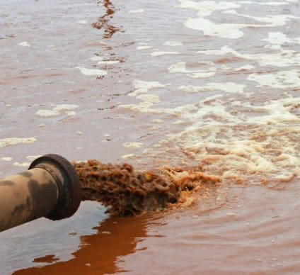 EGYPT: a network to monitor water pollution by industrial waste©WvdMPhotography/Shutterstock