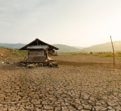 AFRICA: Global warming threatens over 100 million people©Piyaset/Shutterstock